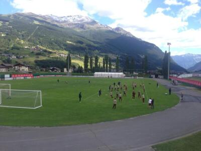 Live / Toro in campo a Bormio per l'allenamento pomeridiano