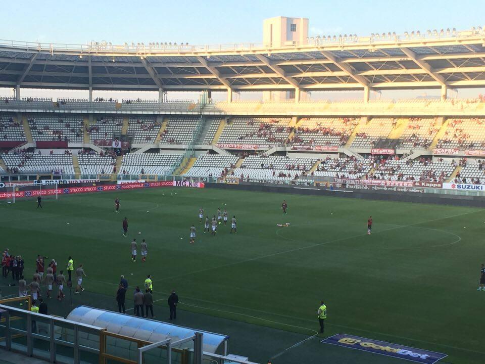 Torino-Pro Vercelli: il Toro in campo per il riscaldamento