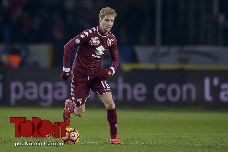 Samuel Gustafson con la maglia del Torino