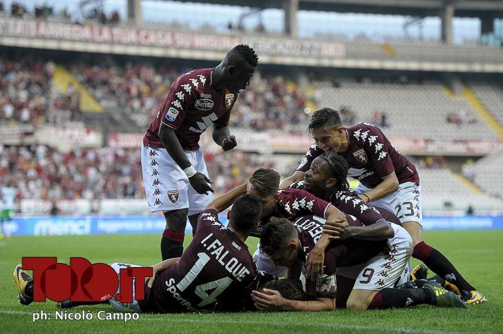 Esultanza di gruppo Torino record