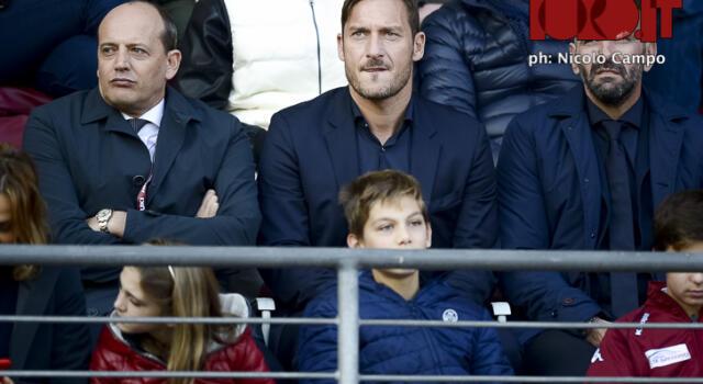 """Totti, bordata a Nedved nella biografia: """"Un piagnone allucinante"""""""