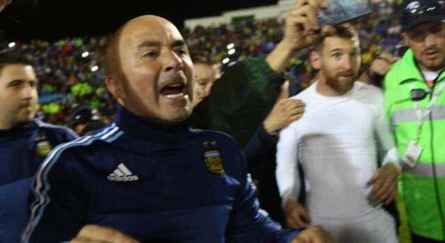Scandalo in Argentina, Sampaoli accusato di molestie sessuali: Mondiali a rischio