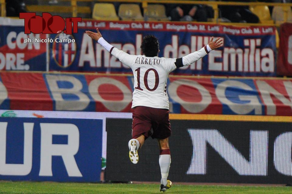 Bologna-Torino 2-2: Vitor Barreto esulta