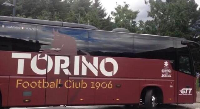 VIDEO / Il pullman del Toro è arrivato allo stadio