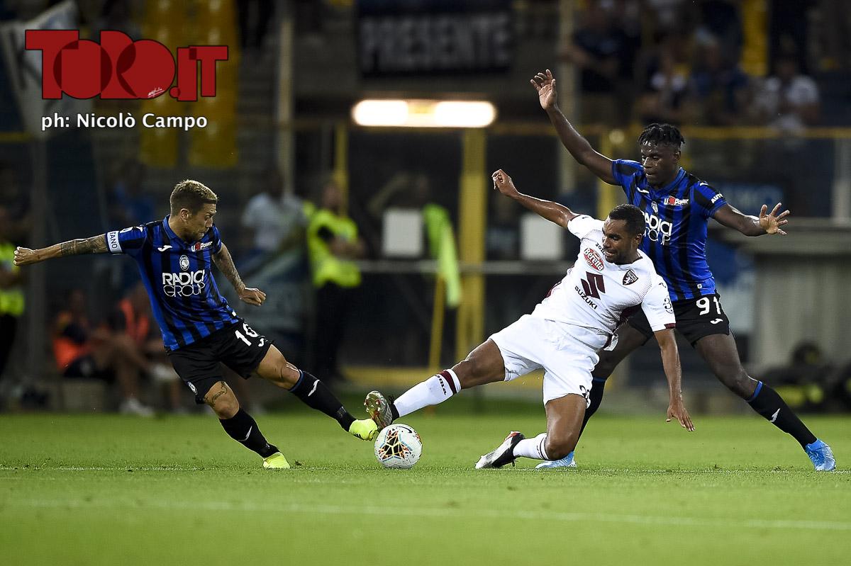 Koffi Djidji e Alejandro Gomez in Atalanta-Torino