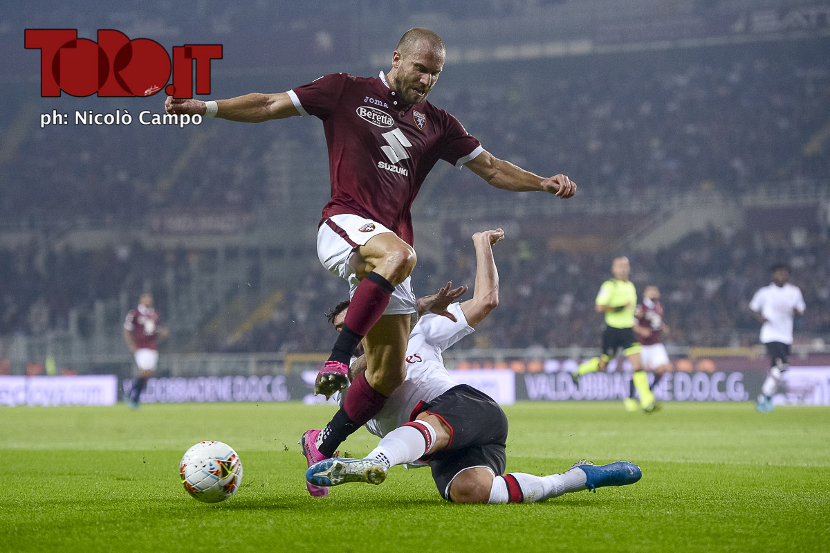 Lorenzo De Silvestri e Theo Hernandez in Torino-Milan 2-1, serie A 2019/2020