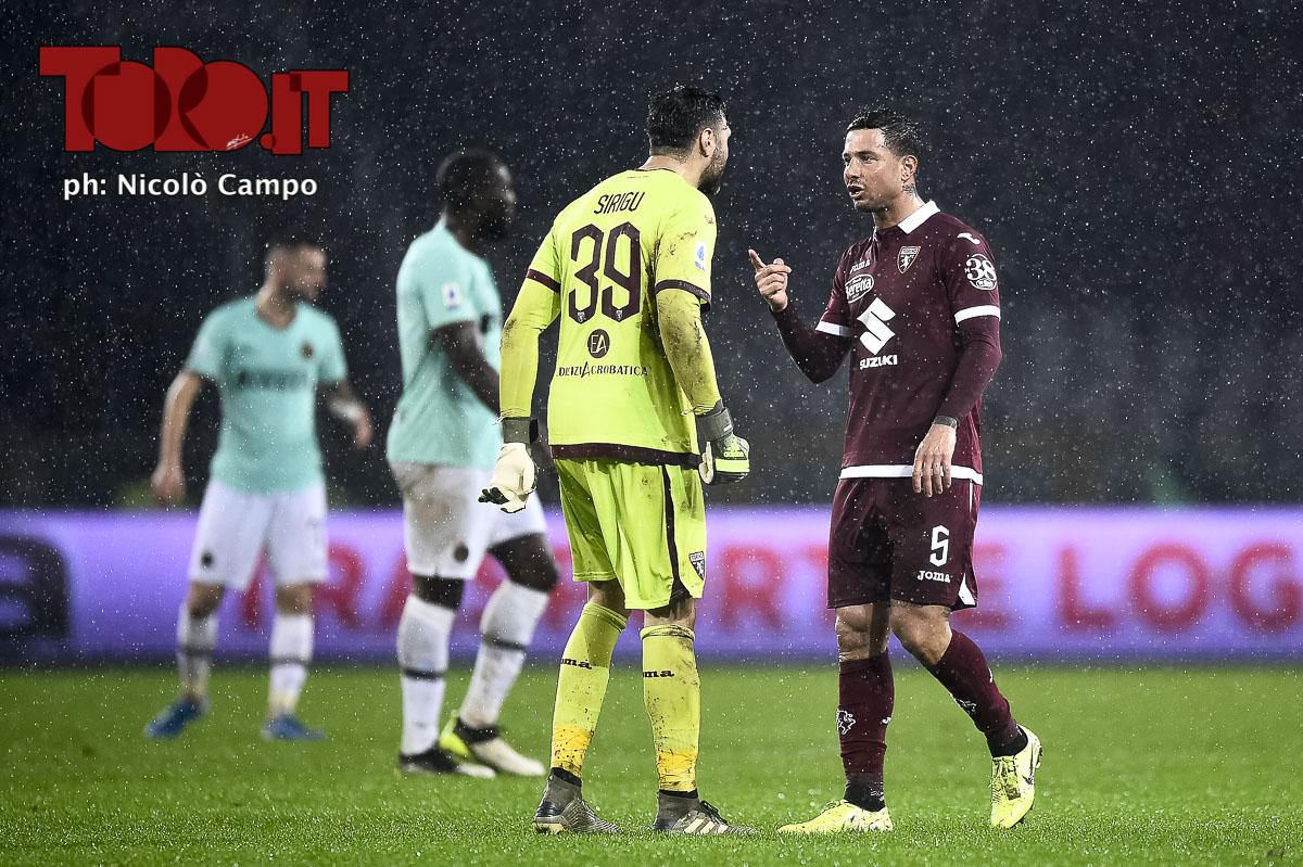Sirigu e Izzo litigano in Torino-Inter 0-3