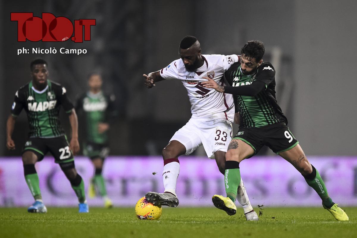 Nicolas Nkoulou e Francesco Caputo in Sassuolo-Torino 2-1, serie A 2019/2020