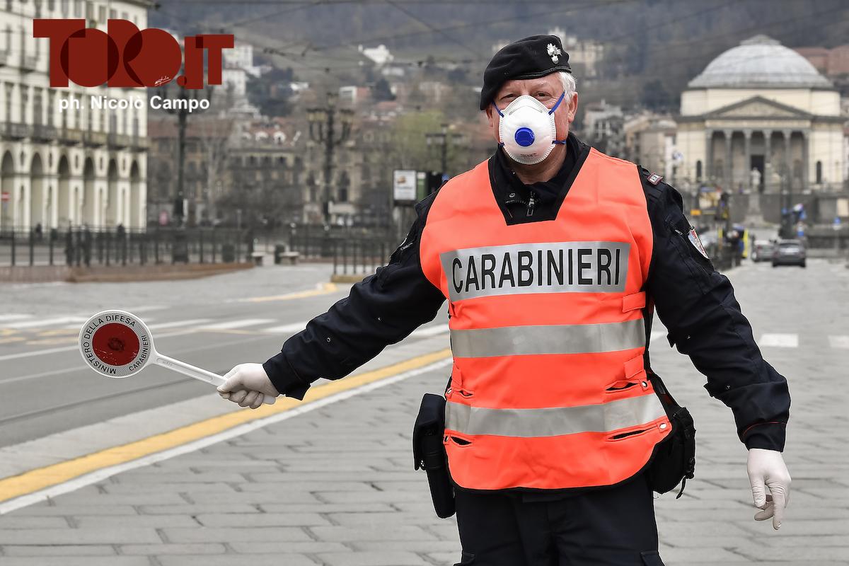 Carabinieri, posto di blocco
