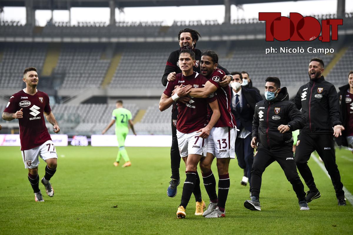 Sasa Lukic esulta dopo il gol in Torino-Lazio 3-4, serie A 2020/2021