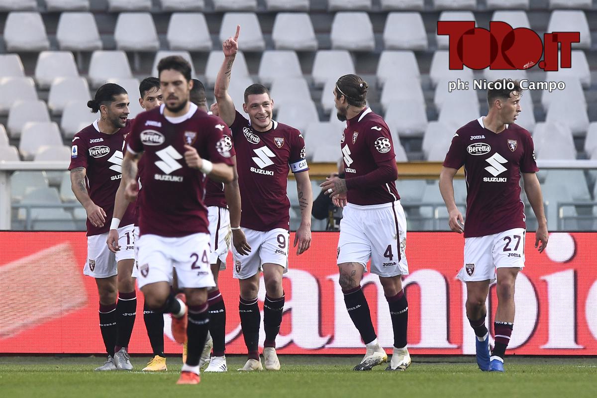 Il Torino esulta dopo un gol