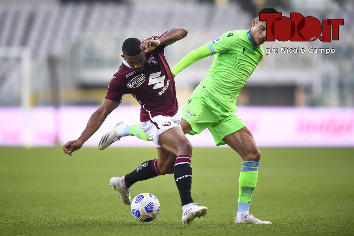 Gleison Bremer e Joaquin Correa in Torino-Lazio 3-4, serie A 2020/2021