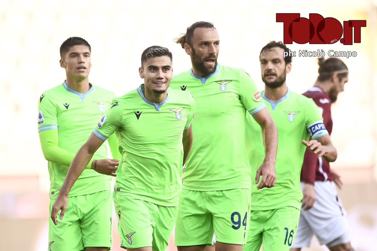 Pereira festeggiato dopo il gol di Torino-Lazio