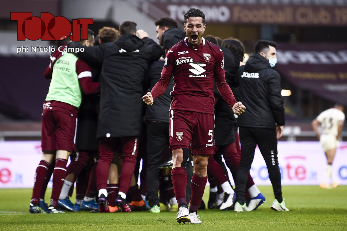 Armando Izzo esulta con il Torino