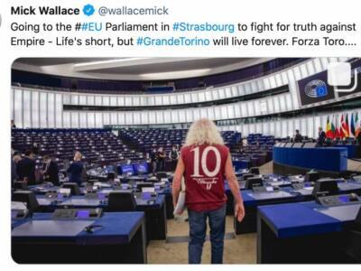 Mick Wallace, ancora un omaggio al Toro: a Strasburgo con la 10 di Mazzola
