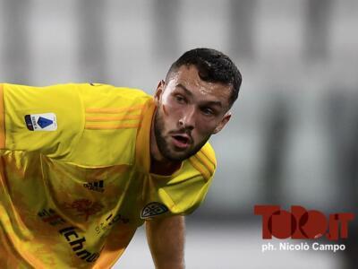 """Walukiewicz """"distratto"""": a Cagliari fa discutere, il Toro pronto a sacrificare Izzo"""