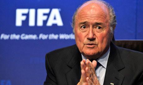 Fifa, mazzette da 100 milioni: l'FBI indaga su Blatter