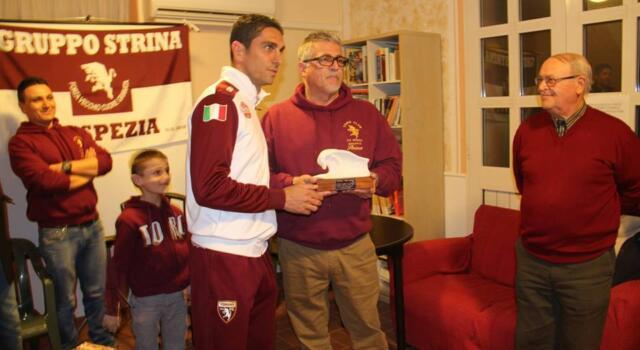 Il Toro Club Strina di La Spezia premia la Primavera di Longo